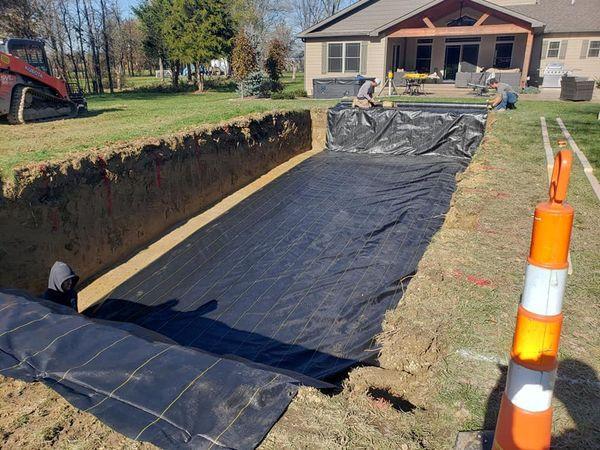 Installation fo a fiberglass pool in sand
