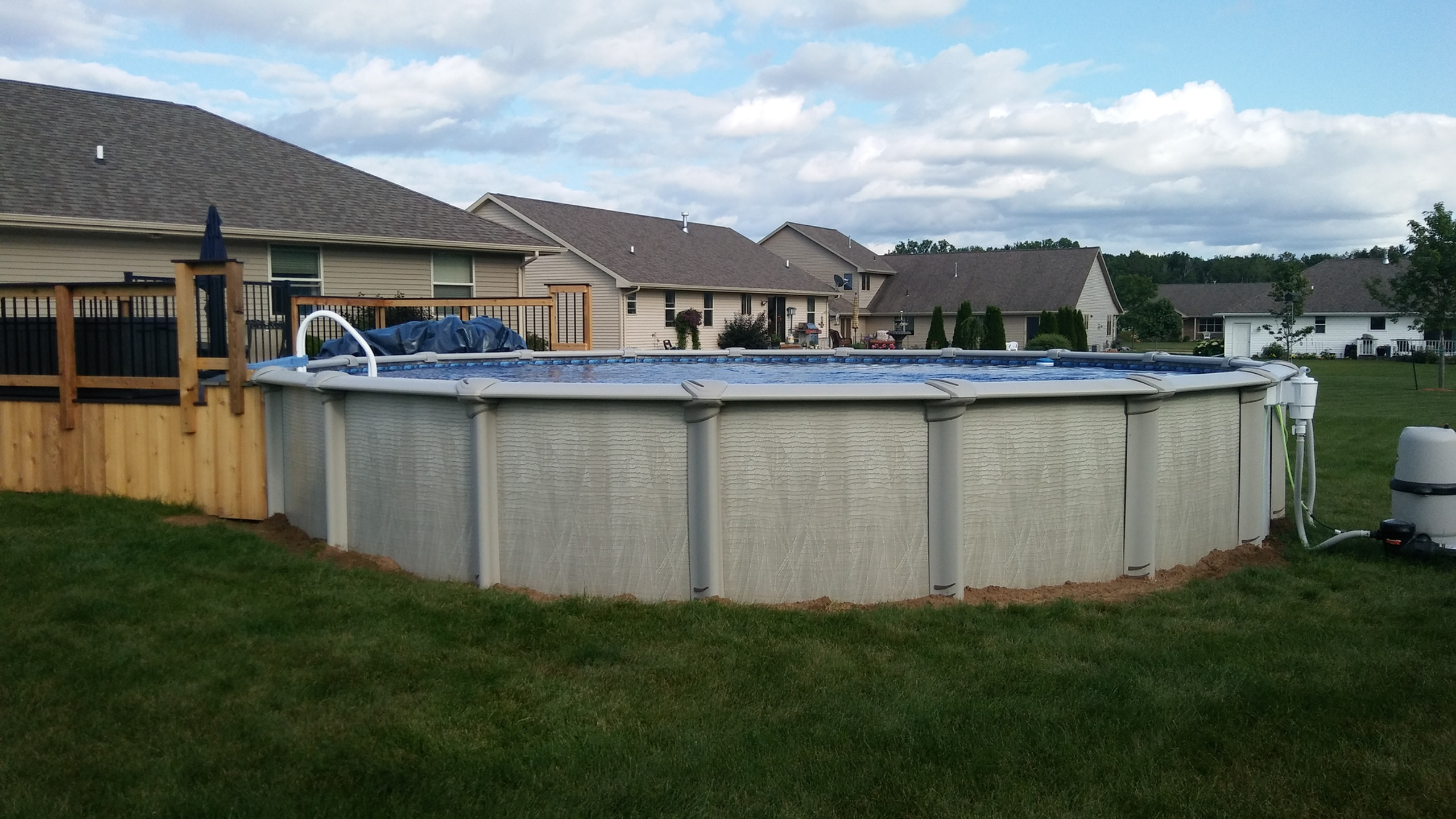 This is the 27' Round Above Ground Pool from Pool Pros. Pool Pros built this pool in Howard WI in 2017.