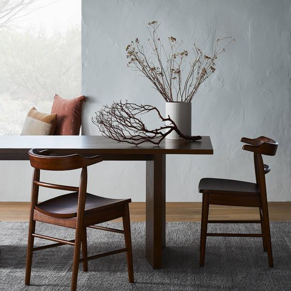 Table&Chairs.jpg