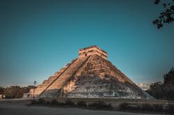 chichen-itza-was-large-pre-columbian-cit