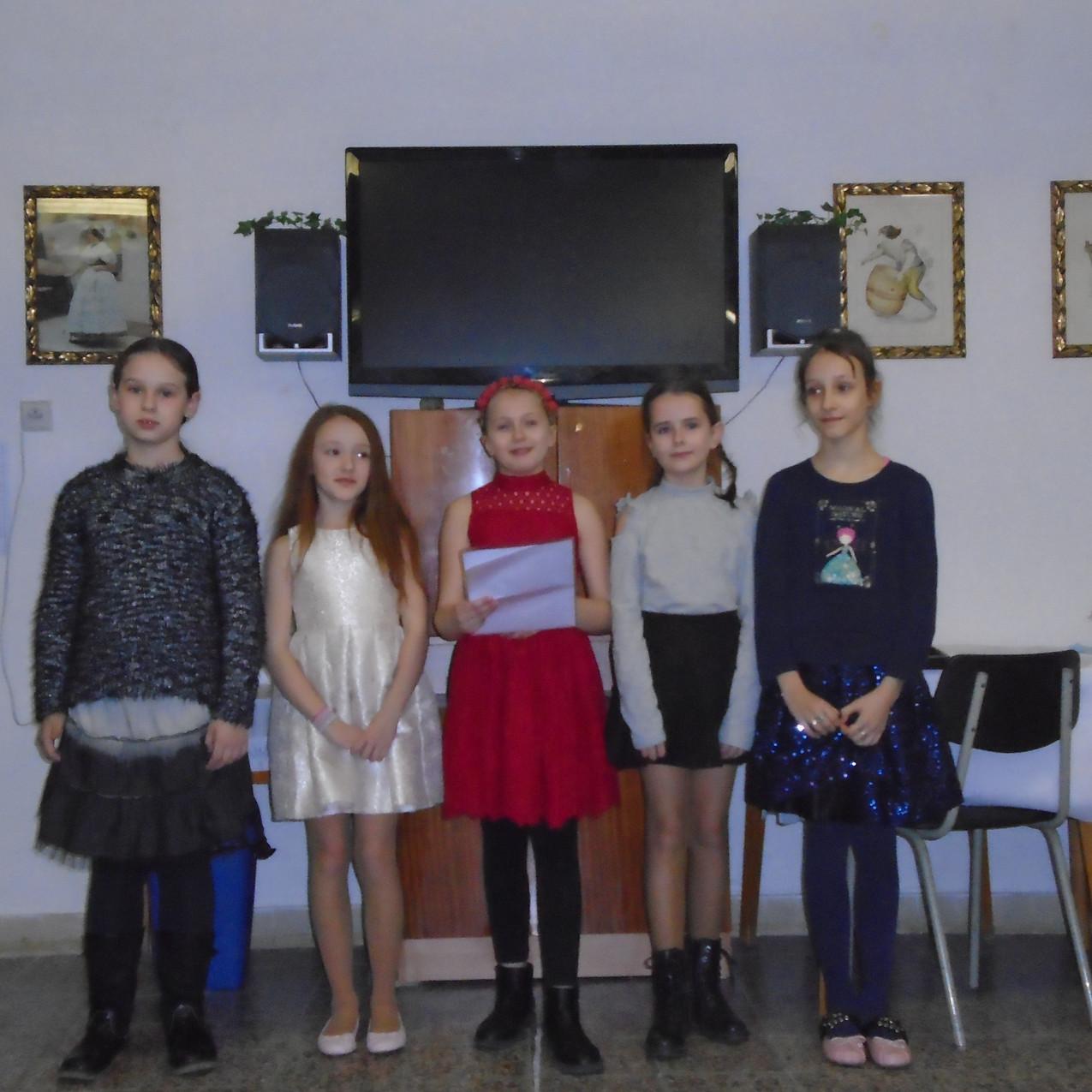 DPS-2020-Děvčata_při_vystoupení