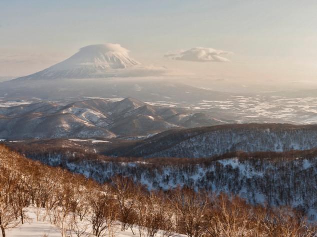 Reportaje sobre Japón para Snowplanet. Volcan Yotei.