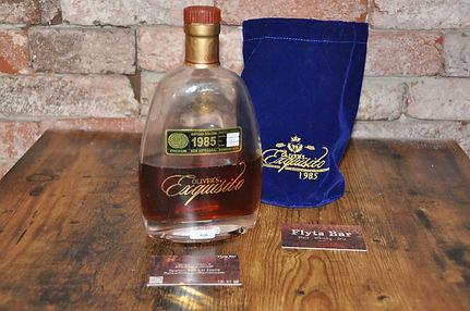 R06 Rum Oliver Exquisito 1985