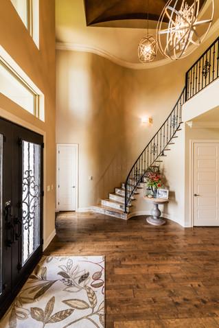 Seven Design Tips for Your New Custom Home Foyer