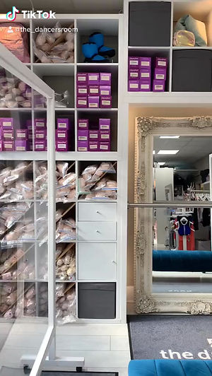 What to expect at your pointe shoe fitting.