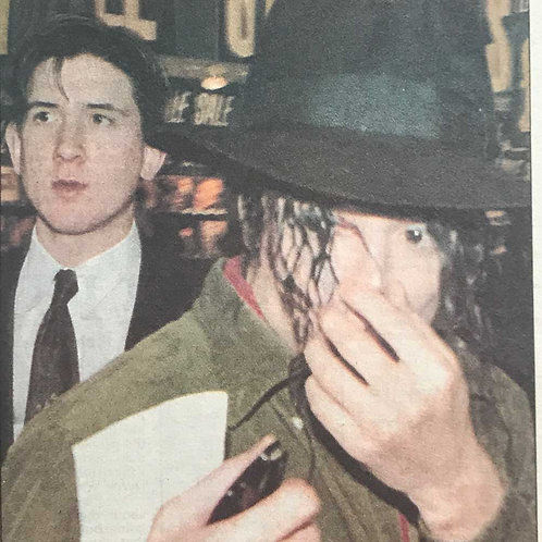 1992 It's Wacko! Jacko Hurt as Fans Rampage DAILY EXPRESS MICHAEL JACKSON