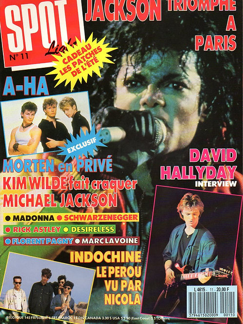 Front cover of French Spotlight pop music magazine featuring Michael Jackson 1988
