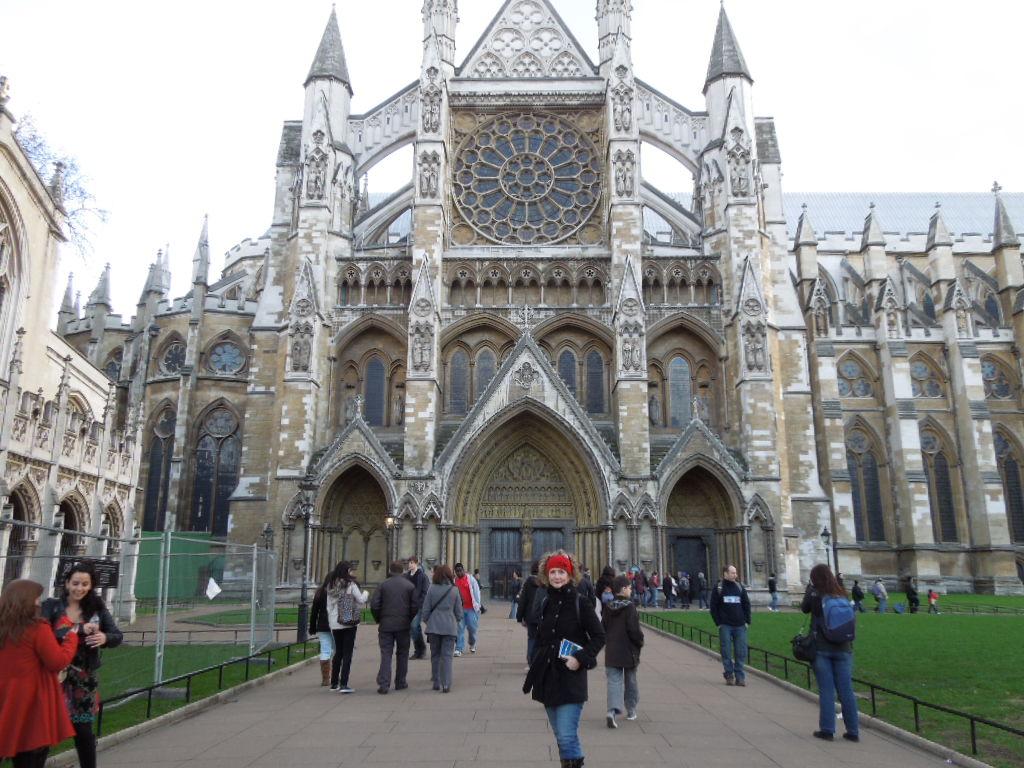 Handel buried in Westminster Abbey