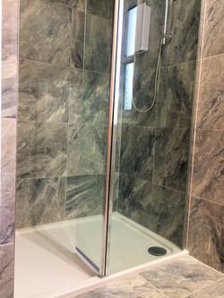 Flat4 showerleft