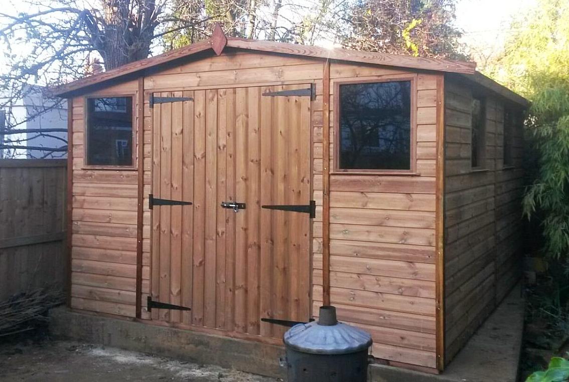 garden workshop with double doors