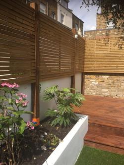 Contemporary fencing panels E17