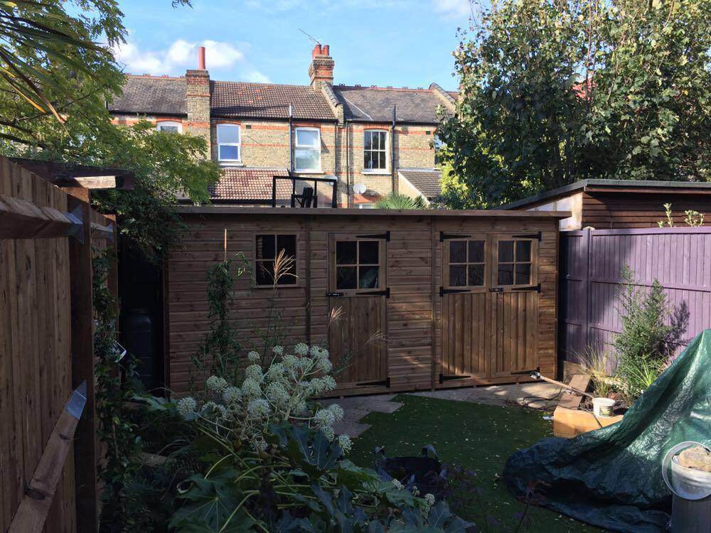 Pent garden shed