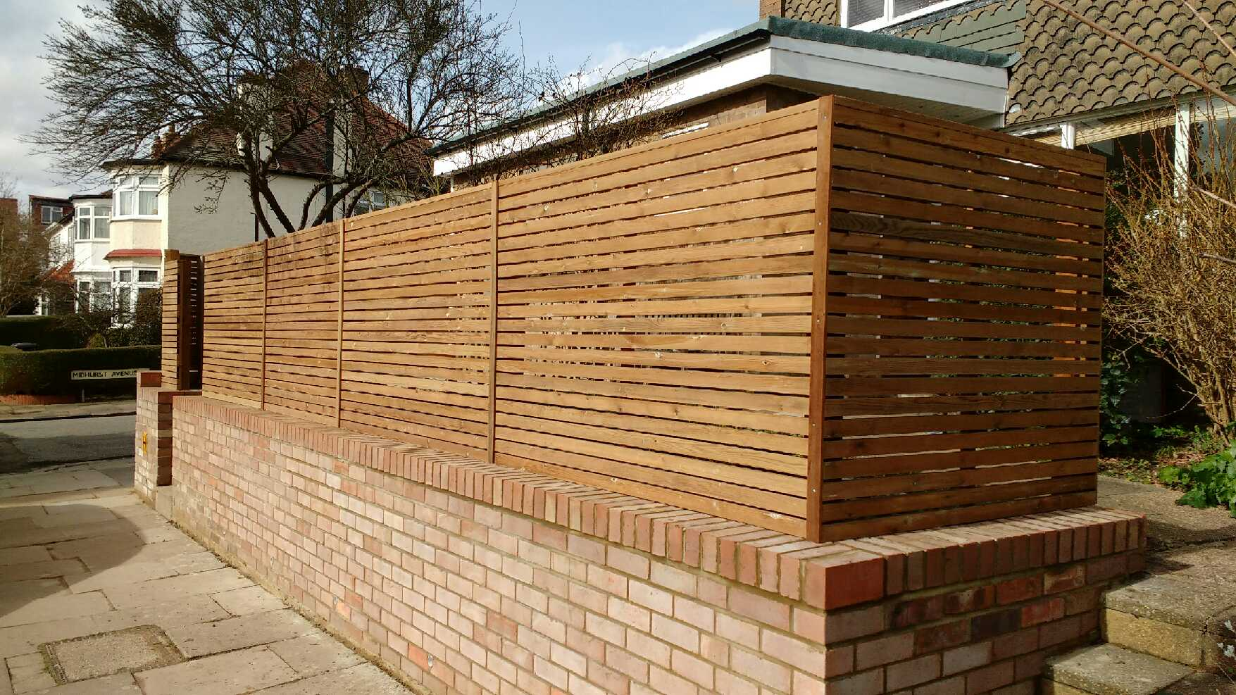 Cheap slatted fencing in 3 days