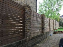 Contemporary Fencing install Herts