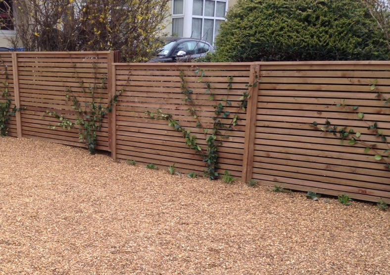 Contemporary fence Standon