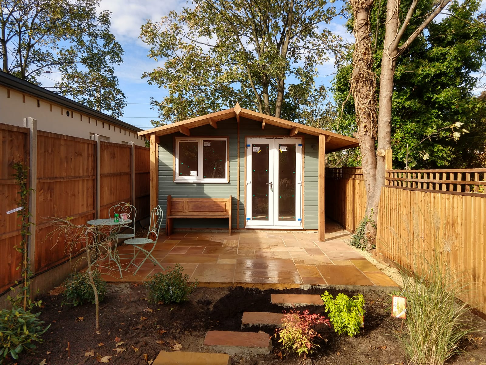 Cheap Garden office supplier London