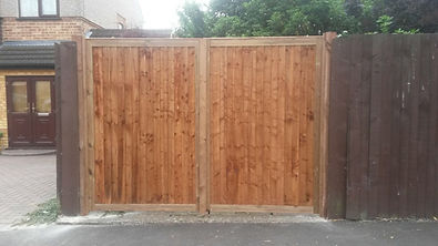 Order driveway gate at Aylwards fencing in Enfield.