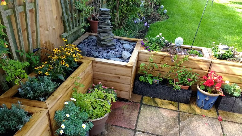 Garden planters can be made to size