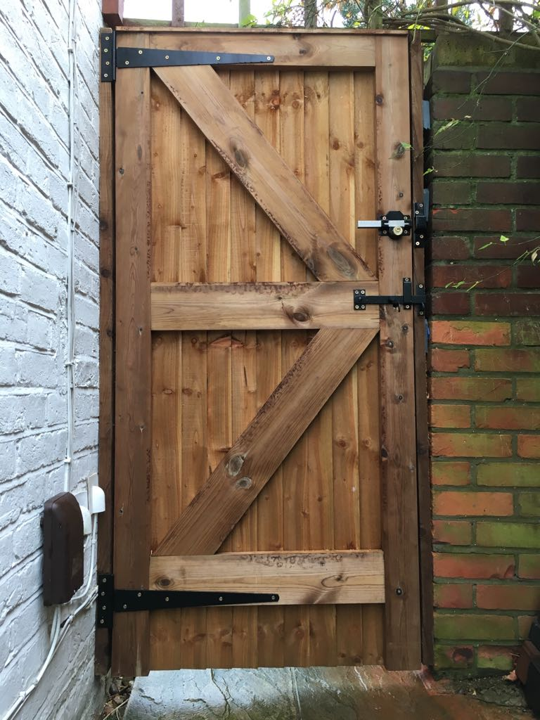 Gate installation cheshunt