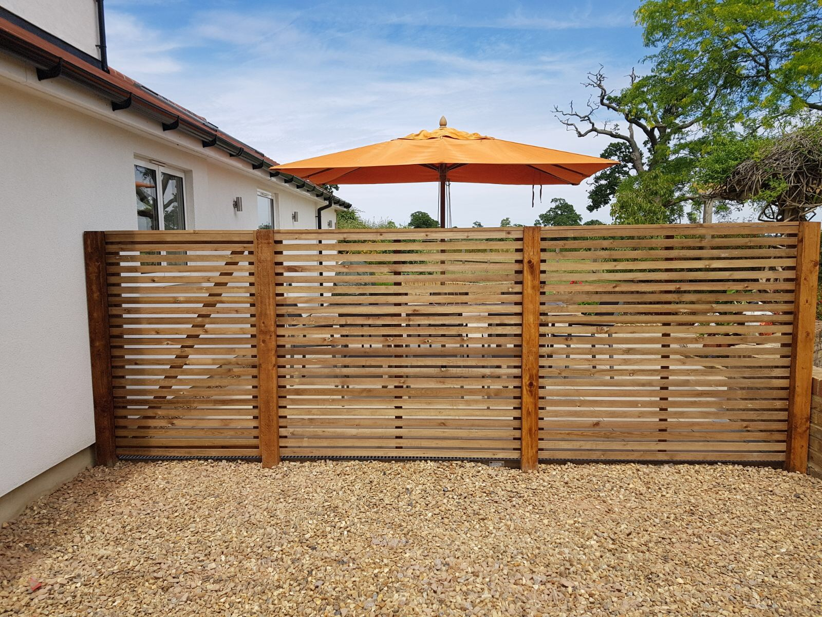 Contemporary fencing panels to size