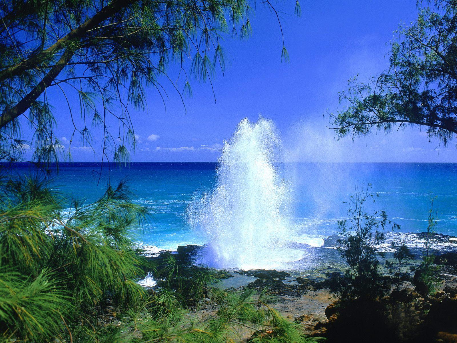 Spouting Horn, Kauai, Hawaii