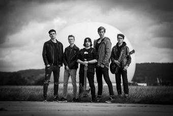 BEYOND BRIGHTNESS: Metalcore-Debüt und Release-Show in München