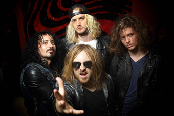 MASSIVE: Exklusive Albumpremiere: Hört FULL THROTTLE in voller Länge auf Classic Rock