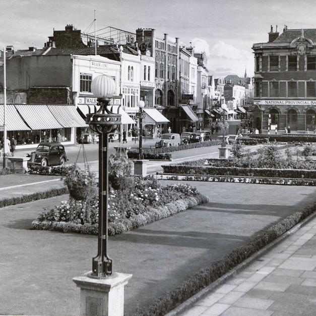 Italian Gardens High Street 1940s