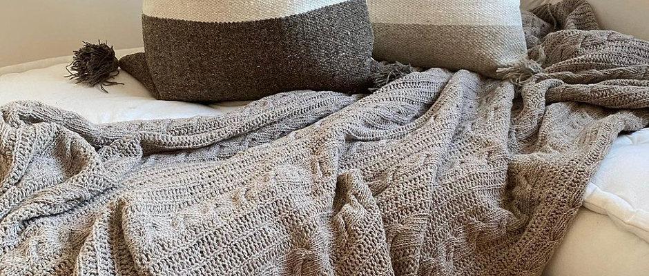 Middle Stripe Cushion