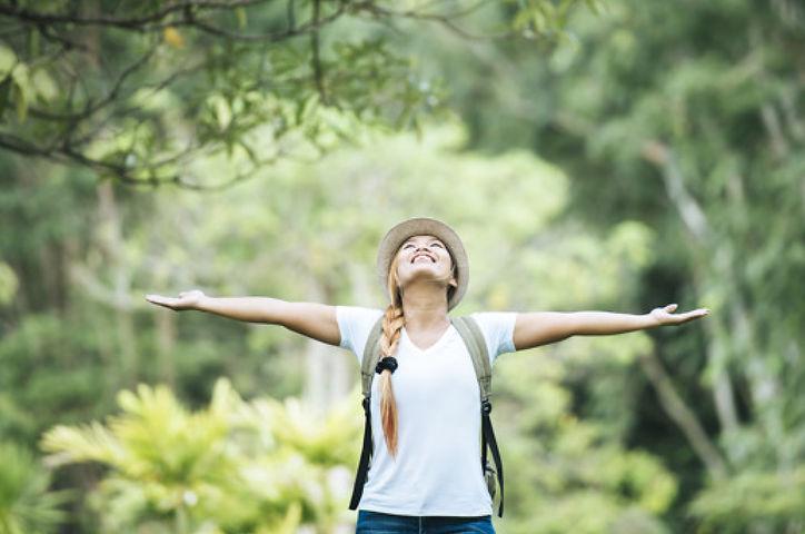 jeune femme nature - v1.jpg