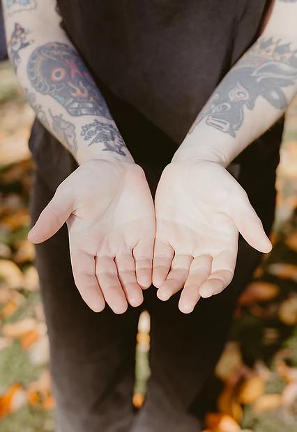 Photo of Dani Allens hands