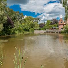 Horne's Place Oast - lake d.jpg