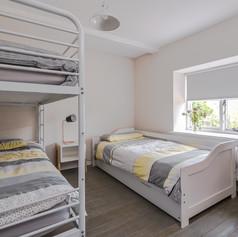 Horne's Place Oast - Bedroom 2.jpg