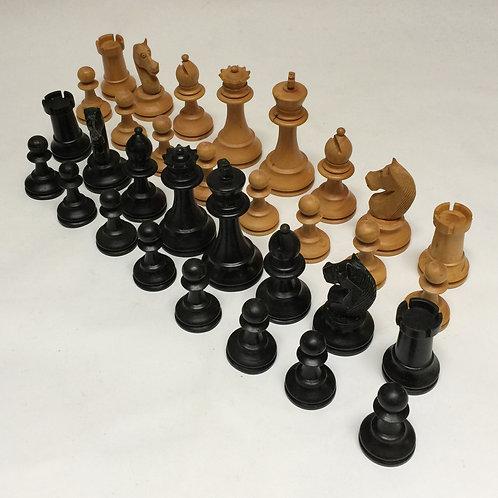 Stylish Boxwood Chess Set