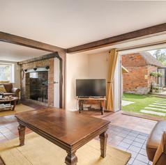 Horne's Place Oast - Living room d.jpg