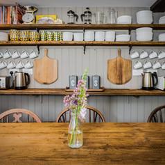 Horne's Place Oast - Kitchen l.jpg