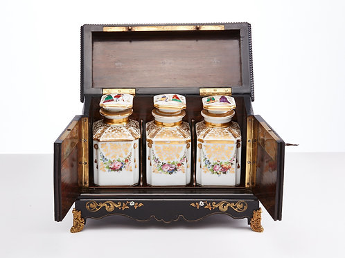 Mid 19th Century tea caddy English circa 1840