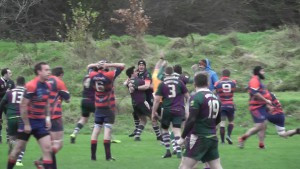 ... and scores the winning try.
