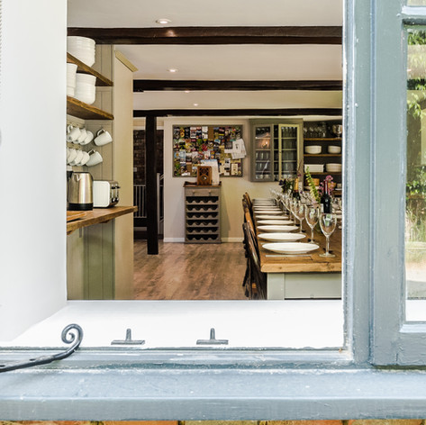 Horne's Place Oast - Kitchen f.jpg