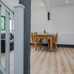 Horne's Place Oast Barn - Living Room b.