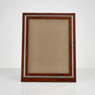 An Early 20th Century Large Crocodile Photo Frame with Applied Ribbed Boarder, circa 1910-15