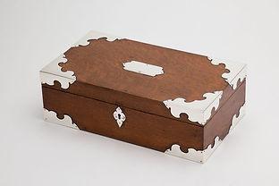 English Oak Cigar Box by Makers 'Mappin & Webb', London, 1887