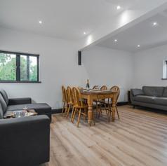 Horne's Place Oast Barn - Living Room a.