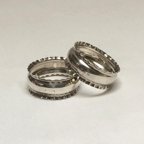 Pair Of Pretty Silver Napkin Rings Birmingham 1898