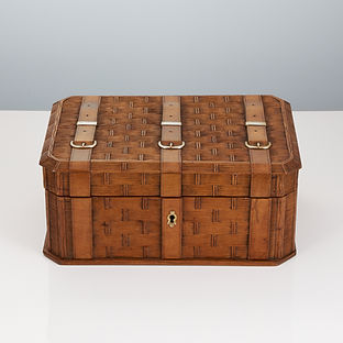 Early 20th Century Sycamore Box with Carved Decoration, Germany, circa 1910