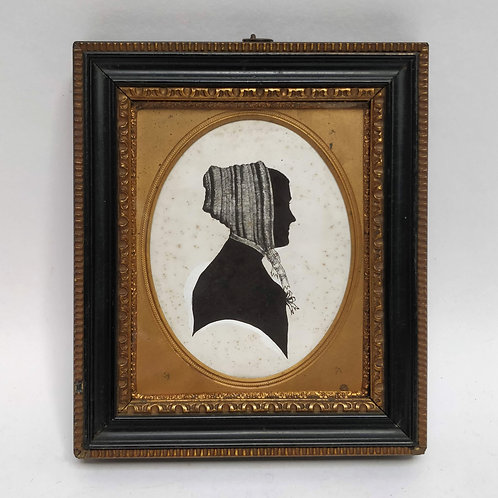 19th Century A Silhouette Of A Lady In A Bonnet