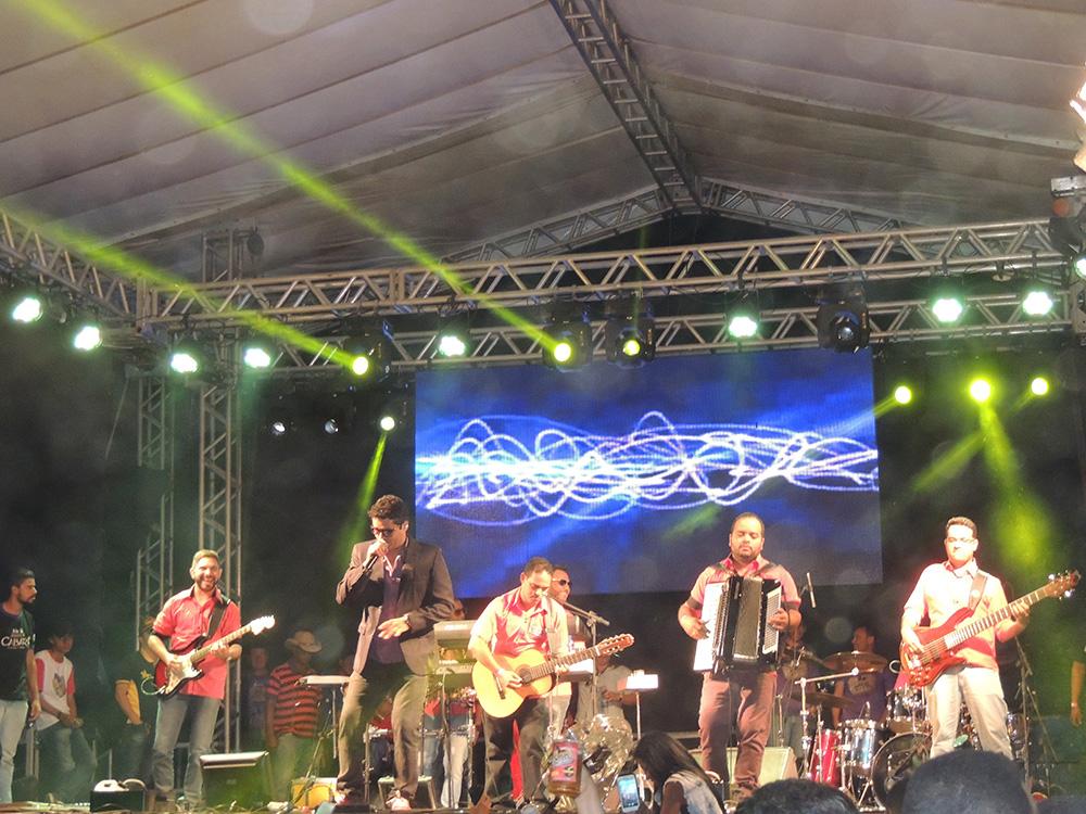 Homens de Cabaré na 7ª Curral Fest