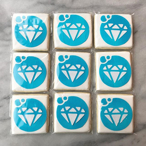 Some logo cookies for _diamondcleaningon