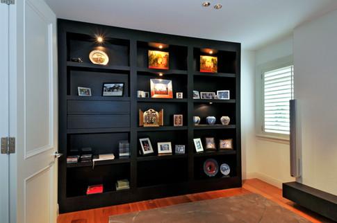 Oak bookcase.jpg