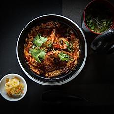 105. Chilli Crab meat & Prawn Don